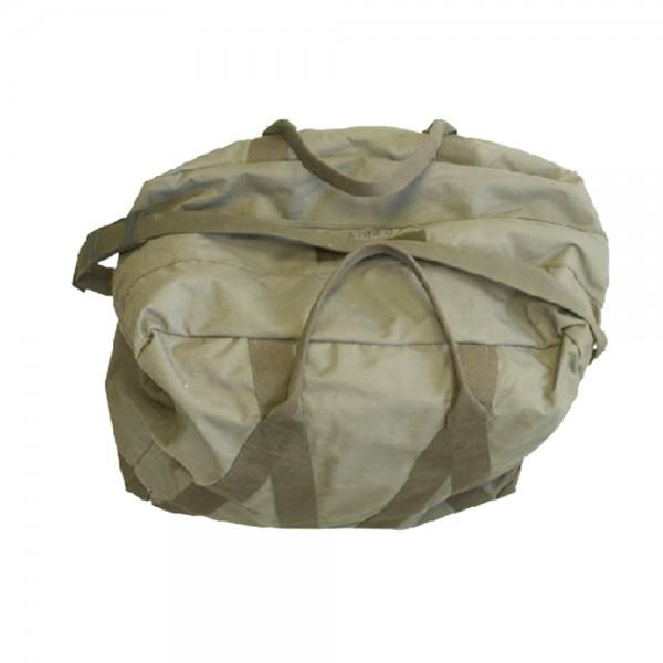 BW Reisetasche oliv mit Tragegurt gebr.